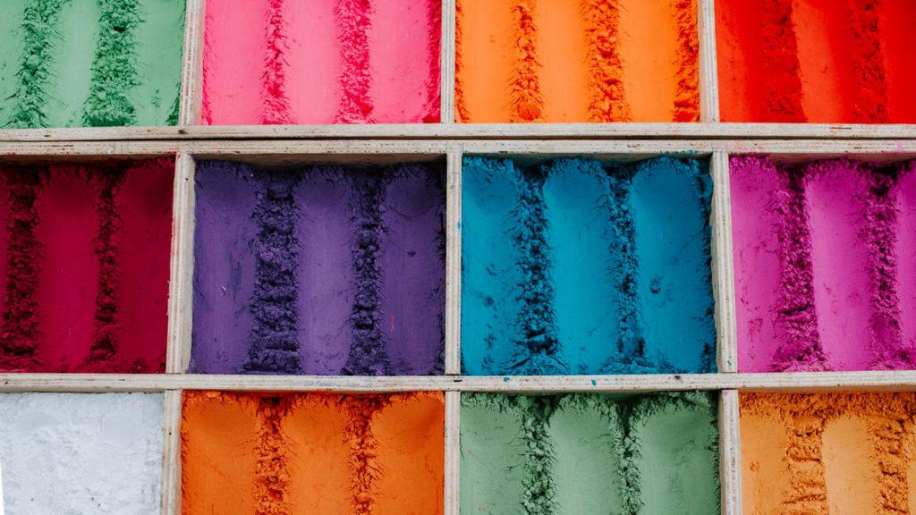 Χρωματιστή σκόνη